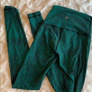 Lululemon Wunder Under leggings in green